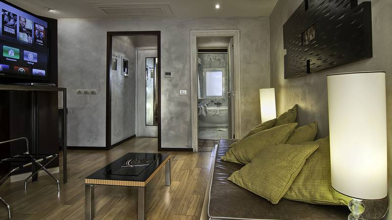 intown-luxury-home-rome-rooms-03