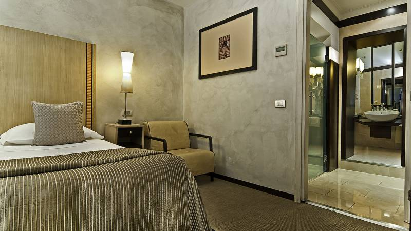 intown-luxury-home-rome-rooms-10