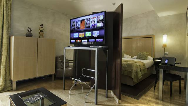 intown-luxury-home-rome-rooms-02