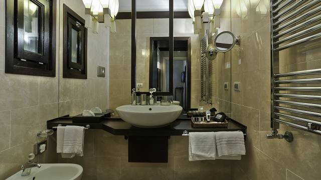 intown-luxury-home-rome-rooms-13